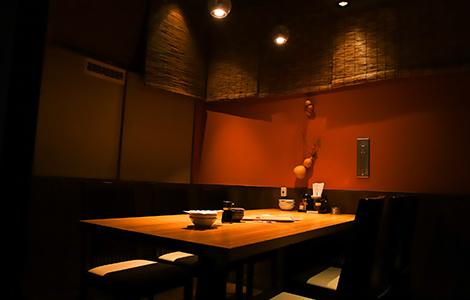 【完全個室】6名様までの特別空間。飲み会や仲間同士の集まりにぴったり!大人気なので早めにご予約ください♪